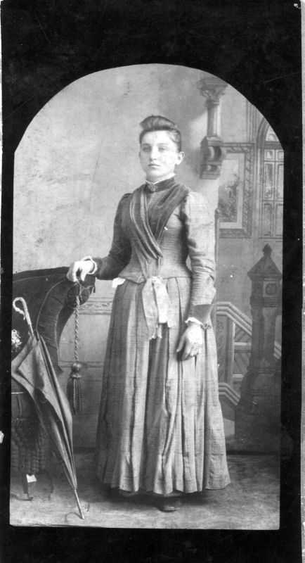 Agnes Elizabeth Starck Photo was taken in 1889